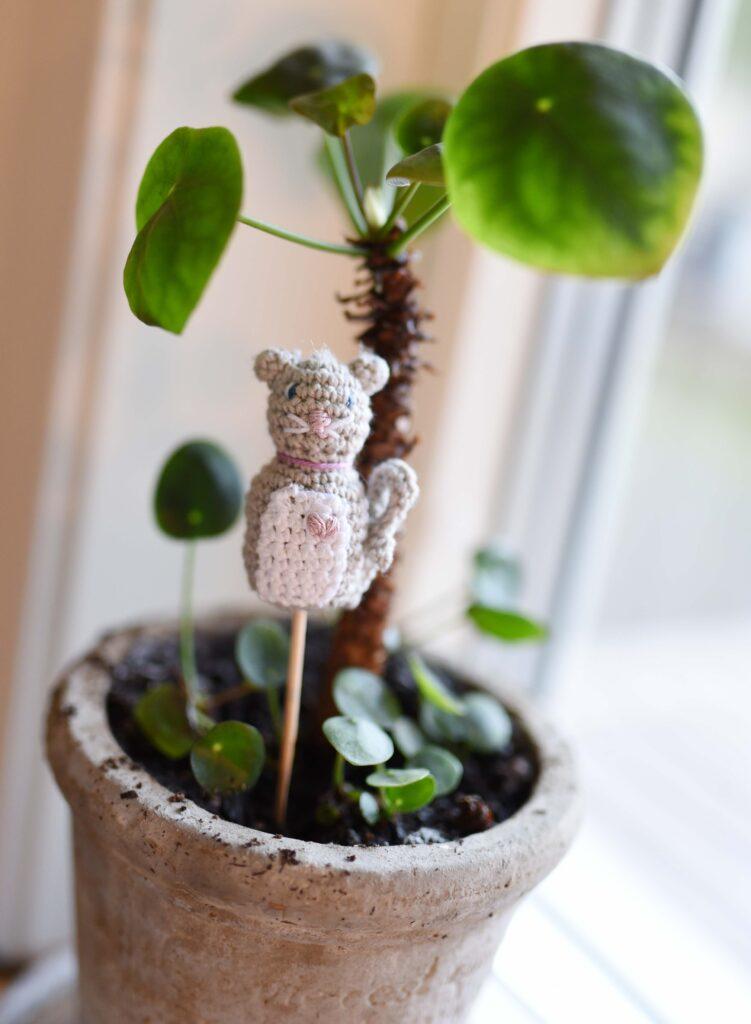 Emma-soft-blompinne-katt-gratis-beskrivning